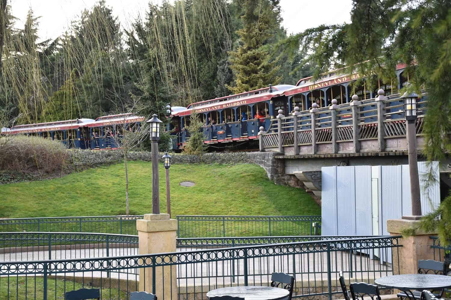 The Disney Rail