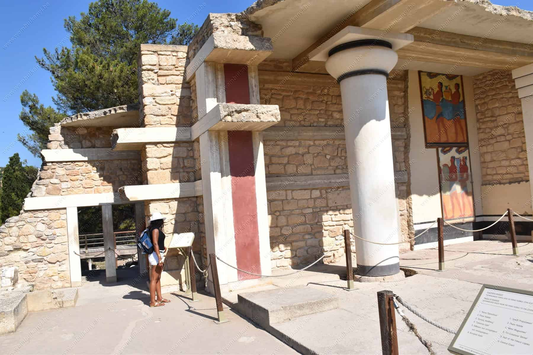 Read more about the article The Palace Of Knossos in Crete
