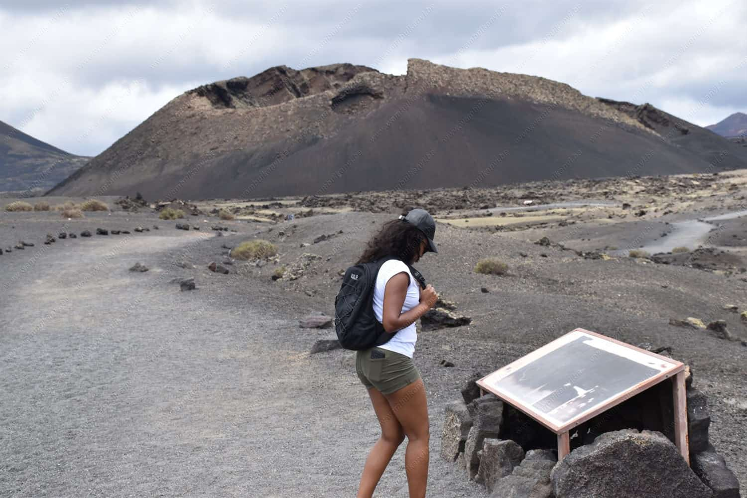 Hiking at the Volcan el Cuervo, Lanzarote